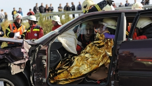 rettungseinsatz-autounfall