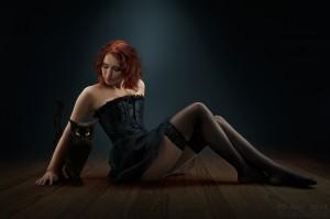 werbefotograf-parkett-werbung-holzboden-sexy-katze-model